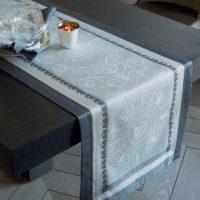 ガルニエ・ティエボー(Garnier Thiebaut)テーブルランナーギャラリーデグラス