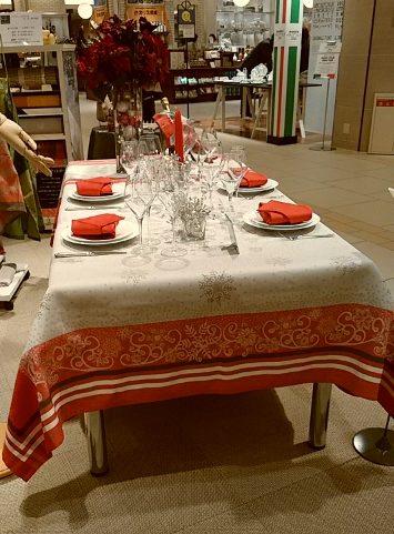 ガルニエ・ティエボー(Garnier Thiebaut)うめだ阪急201611クリスマステーブルクロス・スノーフレークス-1