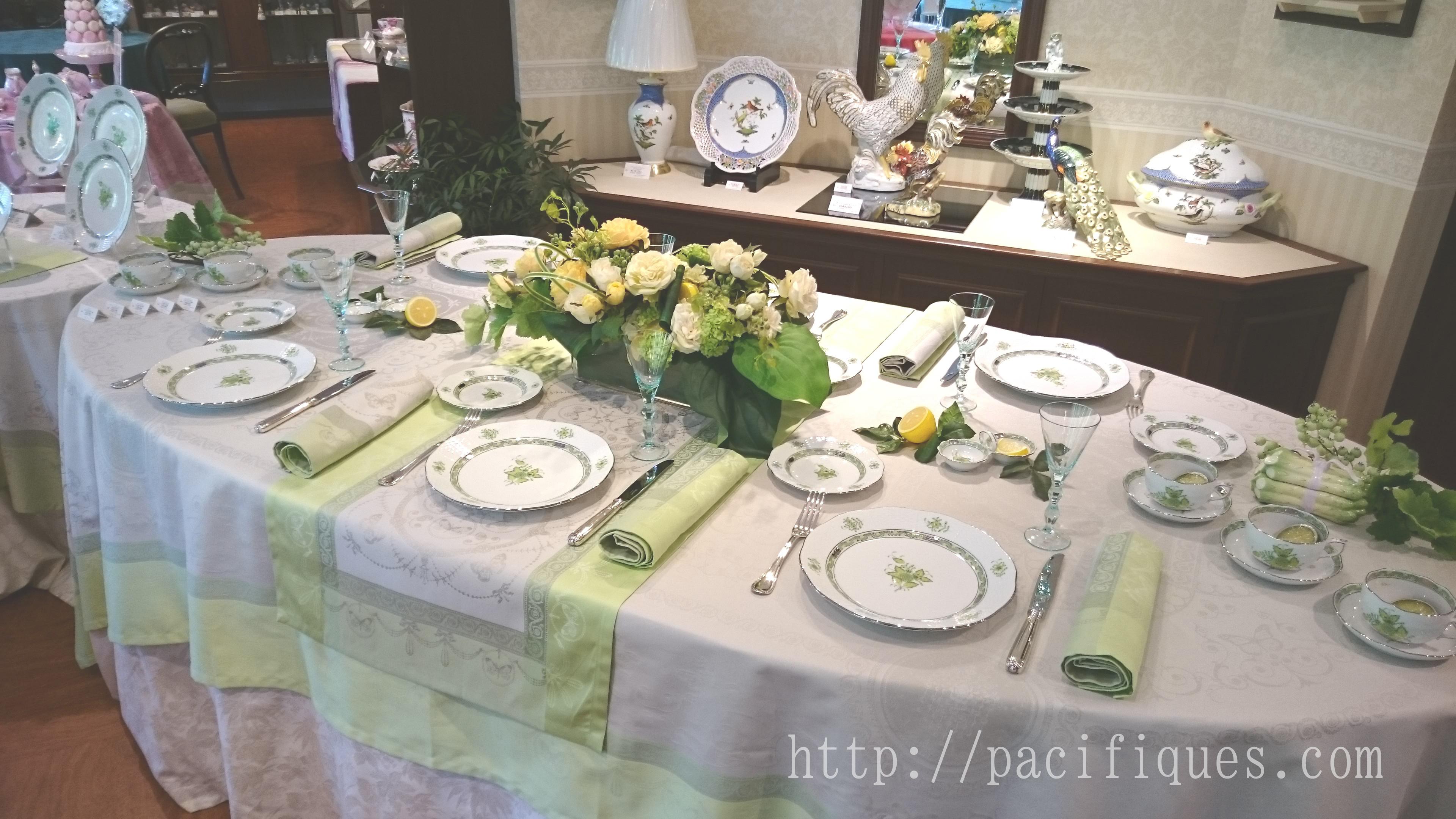 ガルニエ・ティエボー(Garnier Thiebaut)クラブヘレンドジャパン本店テーブルディスプレイ1706 ウジェニ(アマンド)2