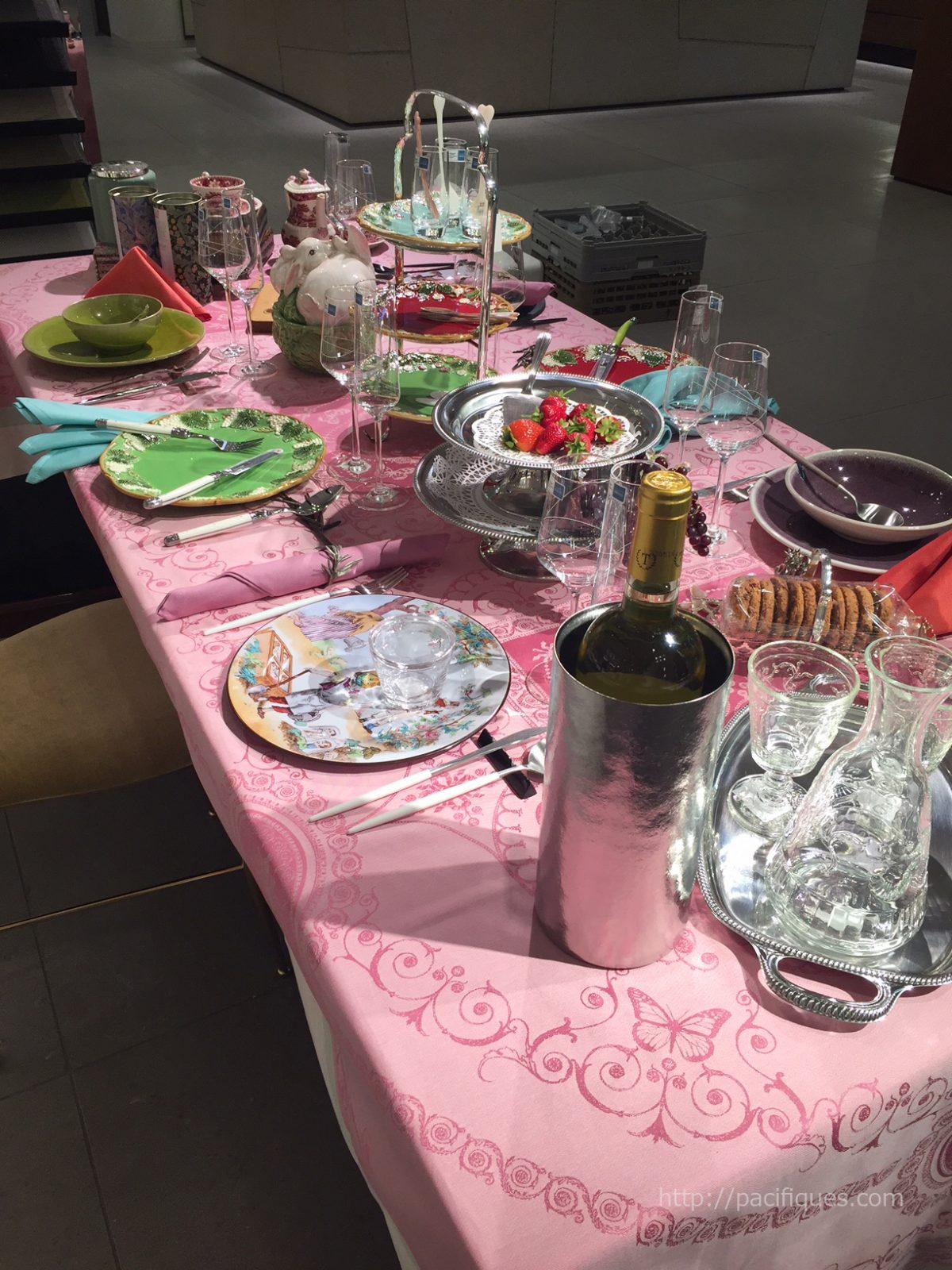 ガルニエ・ティエボー(GarnierThiebaut)使用銀座三越「テーブルの名脇役」テーブルディスプレイ2